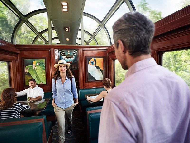 Tren en el Canal de Panamá